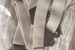 pantalon à bretelles gris beige uni ou rayé (12)